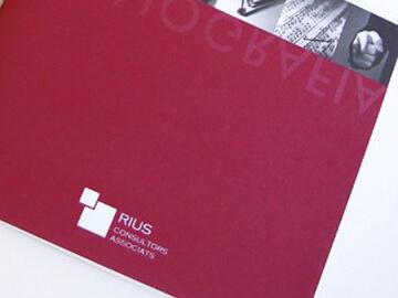 Disseny de la papereria i material gràfic de Rius Consultors Associats